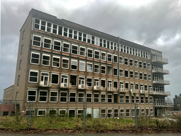 Oude-ziekenhuis-Hoogbouw-en-luchtkastelen-copyright-Wim-van-Rooijen